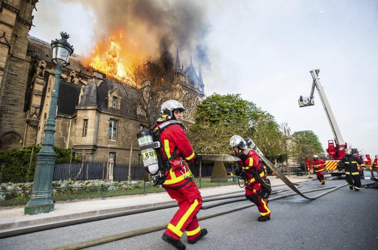 Image: Paris fire brigade Notre Dame