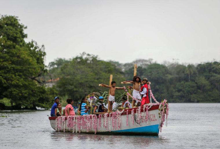 Image: NICARAGUA-RELIGION-HOLY WEEK-WAY OF THE CROSS-AQUATIC