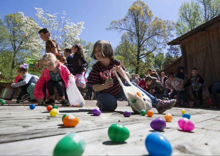 Image: Children race during an Easter egg hunt in Grand Rivers, Kentucky, on April 20.