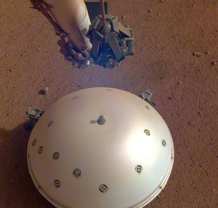 Image: InSight's seismometer