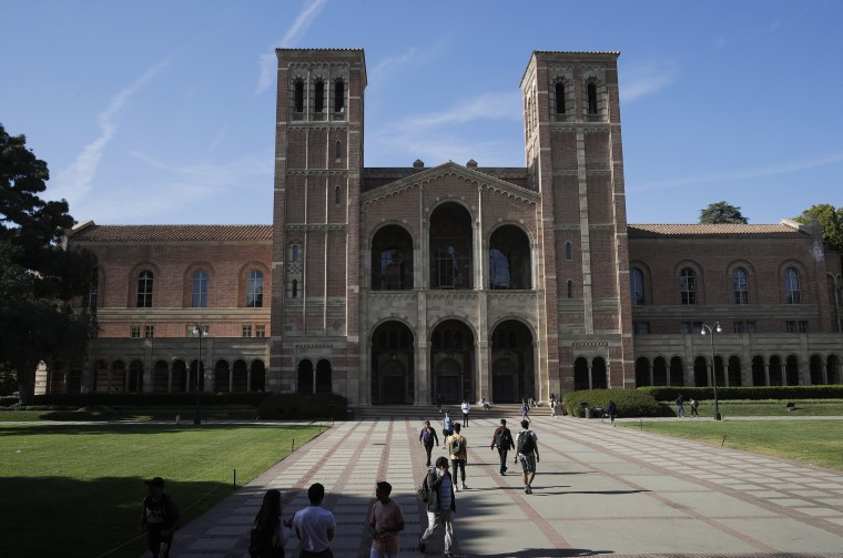 Los Angeles University >> Measles Scare Quarantines Nearly 700 At Two Los Angeles Universities