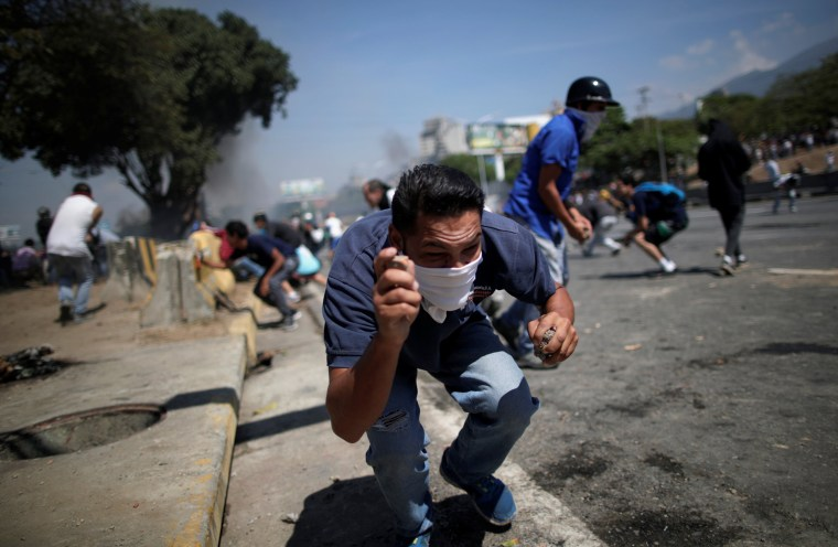 "Image: Opposition demonstration near the Generalisimo Francisco de Miranda Airbase ""La Carlota"" in Caracas"