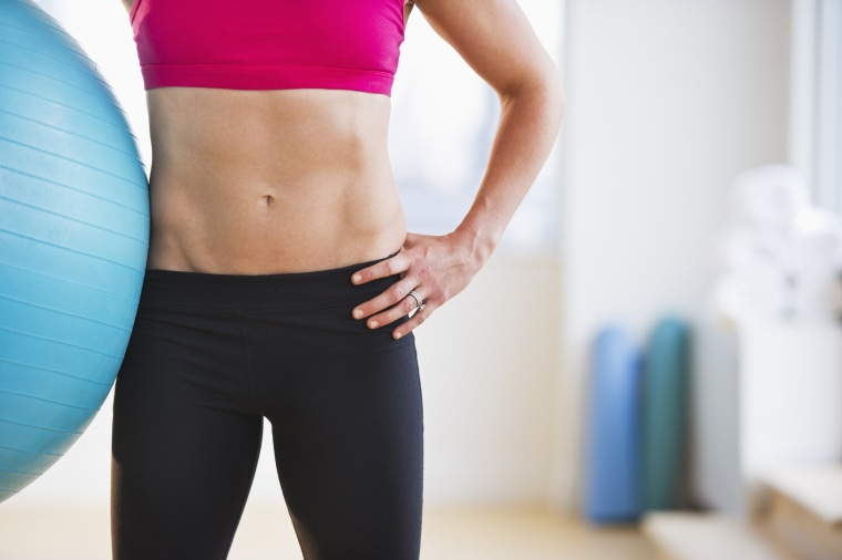A 31-day abdominal workout plan for summer — no crunches
