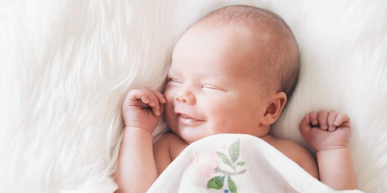 When do babies start smiling