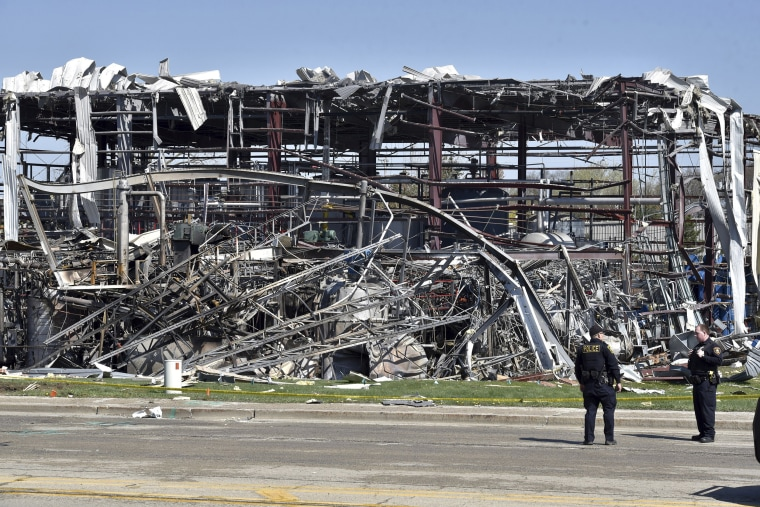 Image: Illinois plant nexplosion