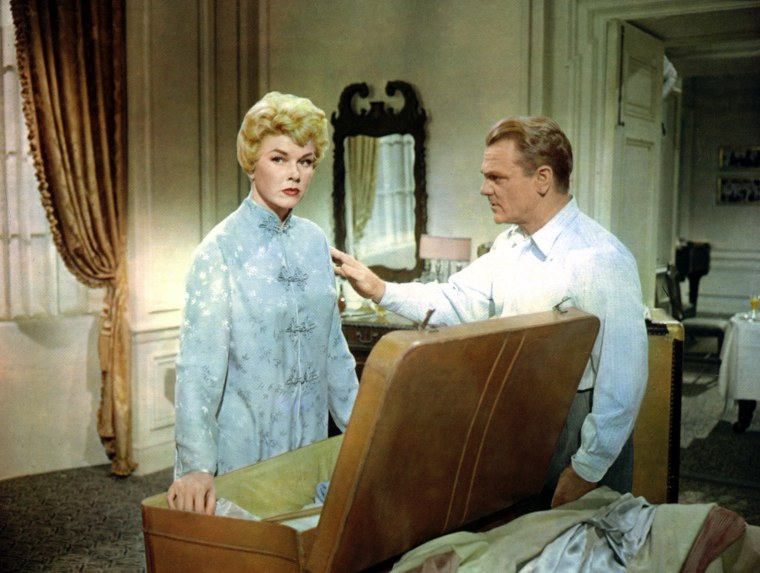LOVE ME OR LEAVE ME, Doris Day, James Cagney, 1955, suitcase