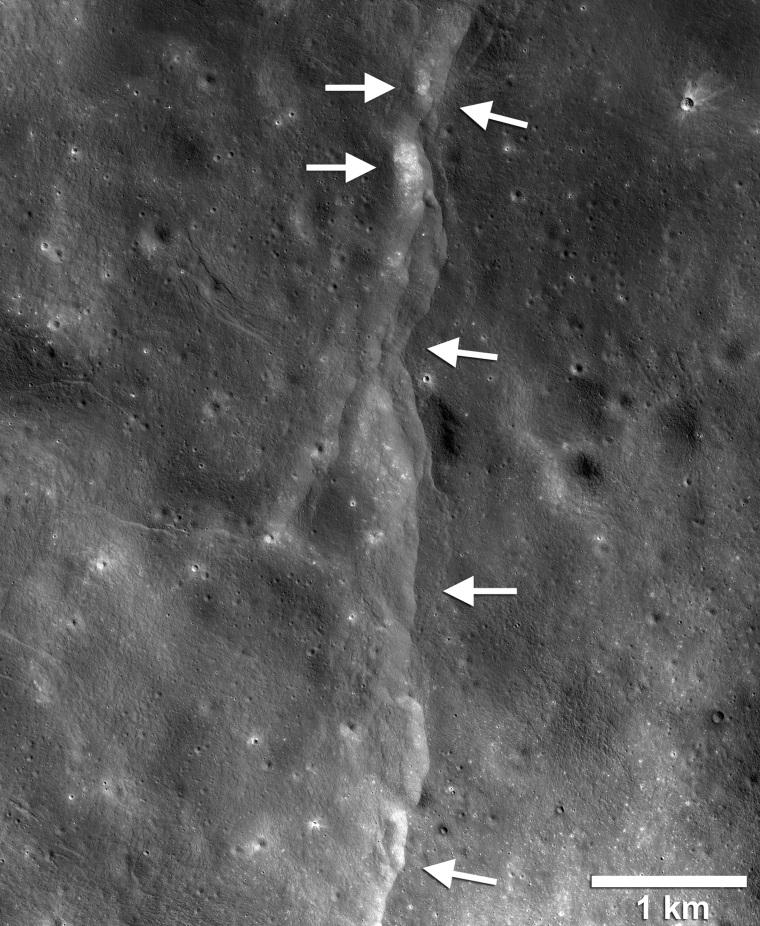 190514-moon-al-1009_8887c53e3de83c899d69