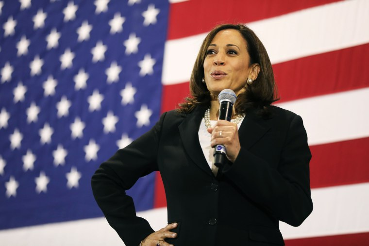 Image: Democratic Presidential Candidate Kamala Harris Holds Town Hall In New Hampshire