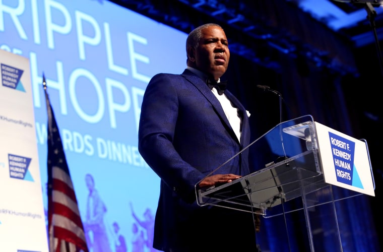 Image: Robert Smith speaks at the Ripple of Hope Awards in New York on Dec. 8, 2015.