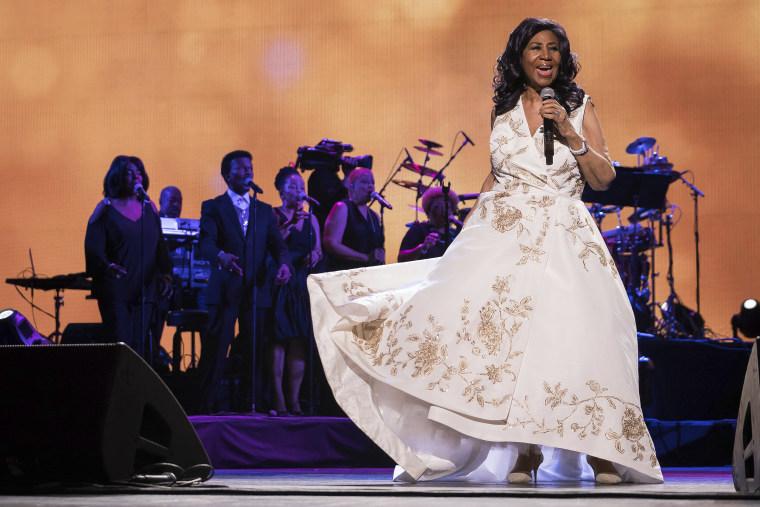 Aretha Franklin's handwritten wills raise tangled legal questions