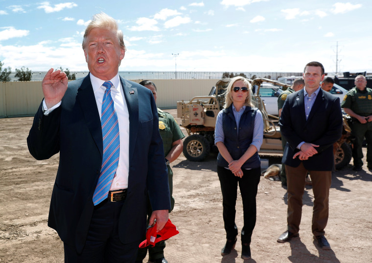 Image: Neilsen and McAleenan listen to Trump at border security tour in California