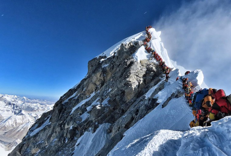 Three more dead on Everest amid concerns about congestion near summit