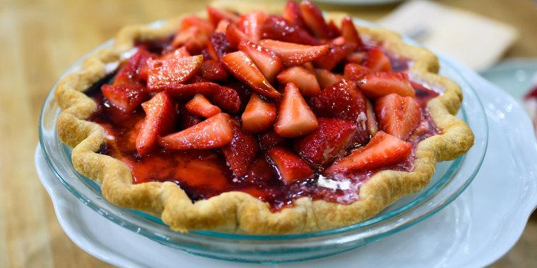 Alex Guarnaschelli's No-Bake Cheesecake + Stawberry Ice Cream Pie