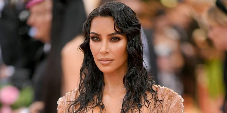 Kim Kardashian West has a sleek, new bob for summer — see