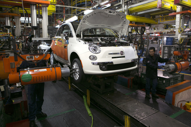Inside a Chrysler Assembly Plant As Automakers Expand Production In Mexico