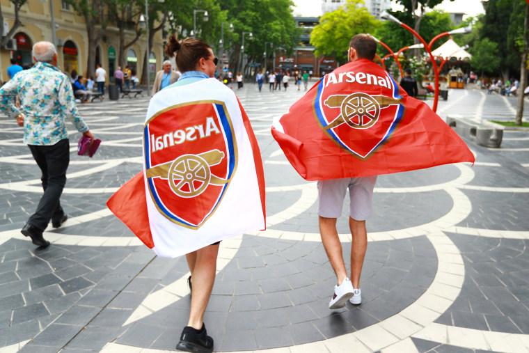 Image: Arsenal fans draped in flags in Baku, Azerbaijan