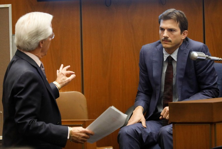 Image: Daniel Nardoni, defence attorney, questions actor Ashton Kutcher at the murder trial of accused serial killer Michael Thomas Gargiulo in Los Angeles