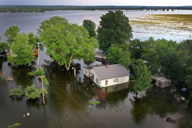 Image: Floodwaters from the Mississippi River overtake homes in Foley, Missouri, on June 1, 2019.
