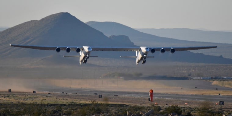 Image: The world's largest airplane, built by the late Paul Allen's company Stratolaunch, makes its first test flight in Mojave