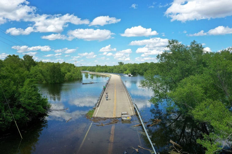 Image: BESTPIX - Midwest Rivers Reach Major Flood Stage At Historic Levels