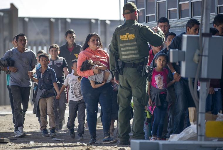 Image: ***BESTPIX*** Record Number Of Migrants Stream Across U.S.  Border, Straining Resources