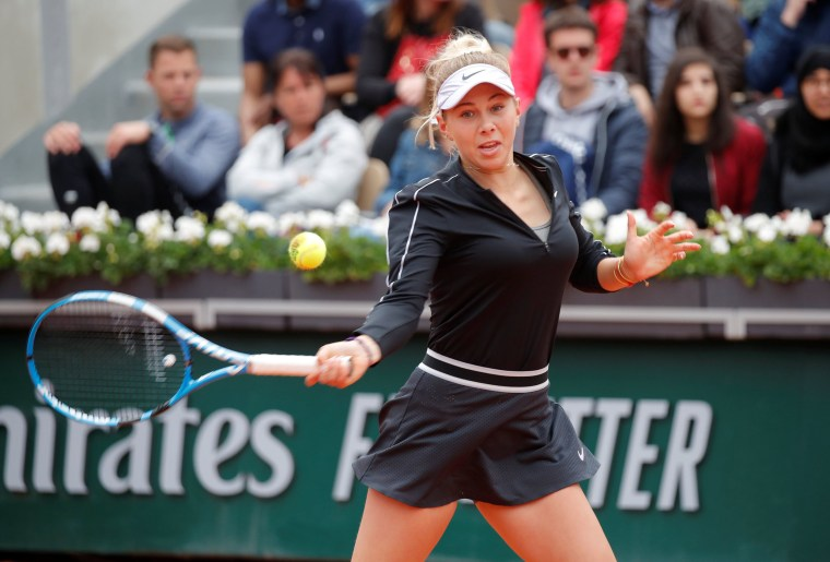 Image: Amanda Anisimova of the U.S. in action during her semi final match against Australia's Ashleigh Barty