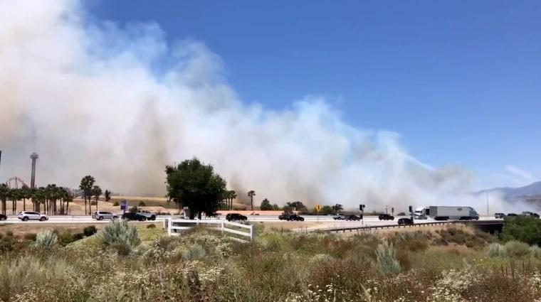 Image: A brush fire in Santa Clarita City, California, on June 9, 2019.