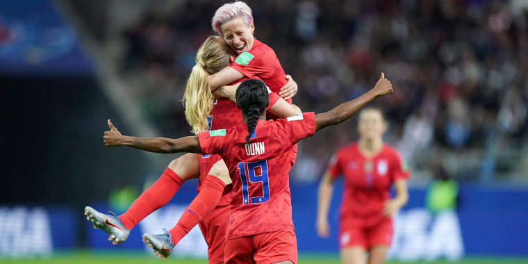 Image: FBL-WC-2019-WOMEN-MATCH11-USA-THA