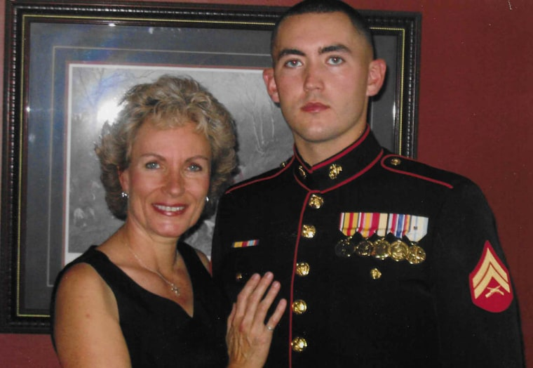 Image: U.S. marine David Smith with his mother, Mary Mcwilliams.
