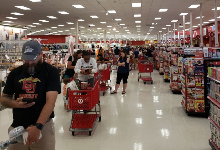 Weekend checkout issues at Target show that while cash might not be king, it's not dead, either
