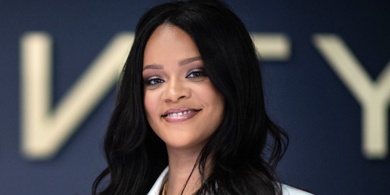 Rihanna rocks red hair and braids — see her new look!