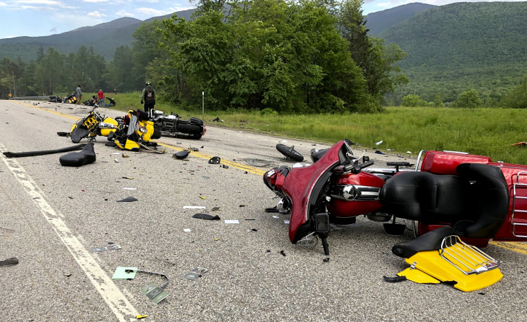 7 killed in crash between truck, bikers in New Hampshire
