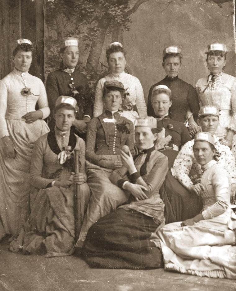 womens sportswear; womens soccer jerseys; 1950s fashion; soccer shorts; sports clothing; women sports clothes; womens football jersey