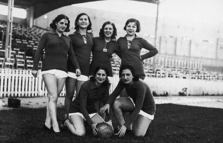 womens sportswear; womens soccer jerseys; 1950s fashion; soccer shorts; sports clothing; women sports clothes; womens football jersey