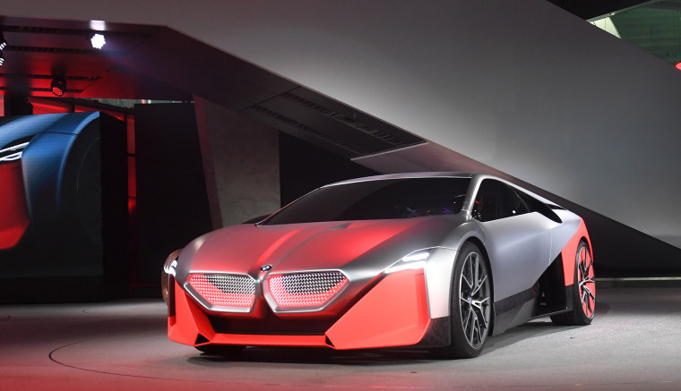 Bmw Doubles Down On Plug Ins And Battery Powered Cars Saying The