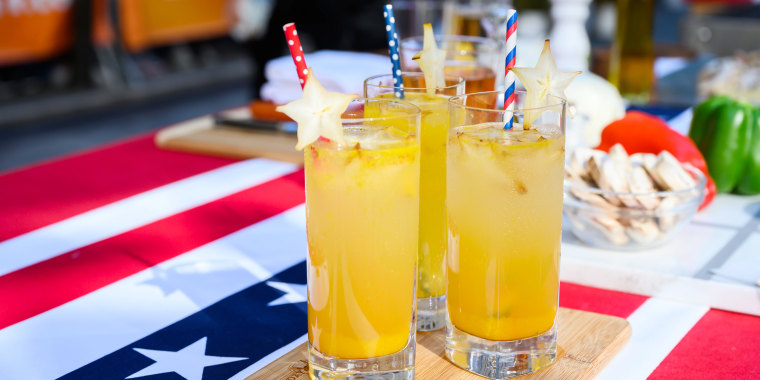 Siri & Carson's Red, White & Bourbon Cocktail + Beer-Soaked Hot Dogs + Grilled S'mores Popcorn