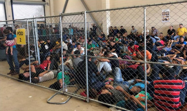 Image: Overcrowded migrant facility