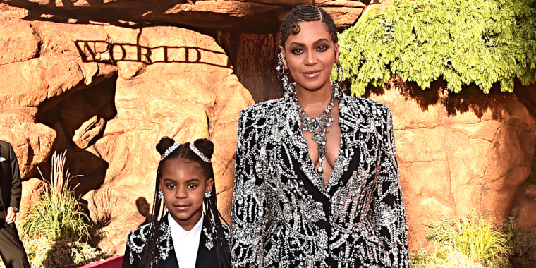 Beyoncé and daughter Blue Ivy were twinning at 'The Lion King' premiere