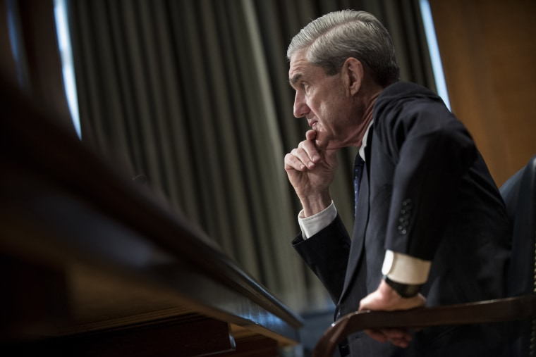 Image: Robert Mueller testifies during a Senate Appropriations Committee hearing on Capitol Hill in 2013.