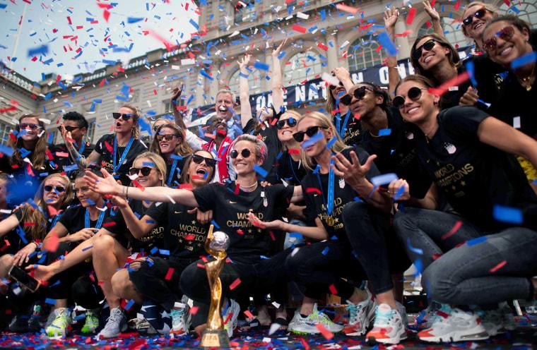 Image: FBL-WC-2019-USA-WOMEN-PARADE