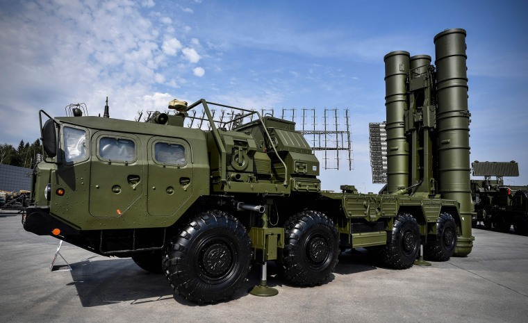Image: Russian S-400 anti-aircraft missile launching system on display in Kubinka Patriot Park outside Moscow during the first day of the International Military-Technical Forum.