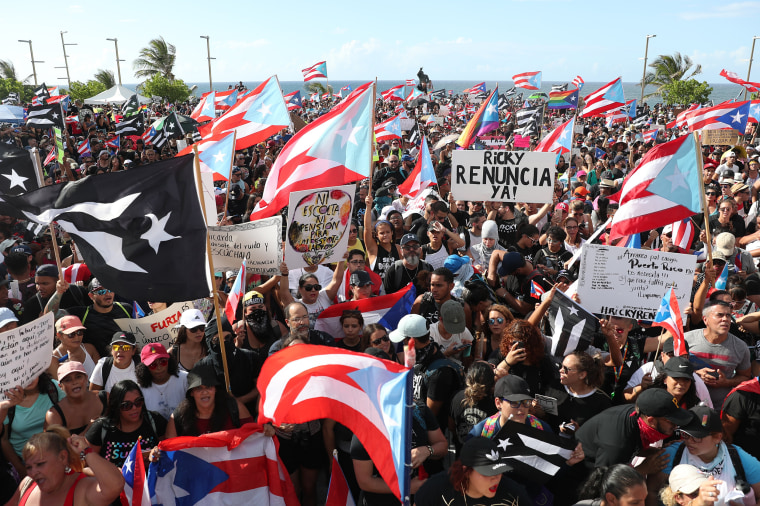 Thousands protest PR governor