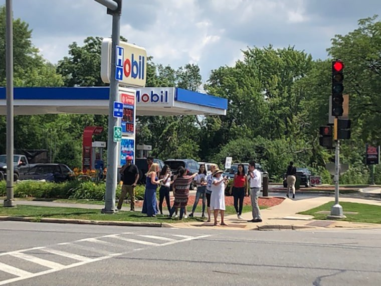 Image: Mobile gas station protest