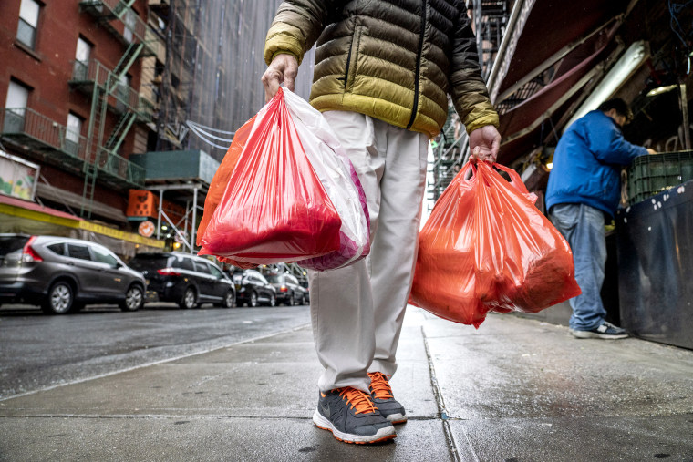 New York Budget Includes Plastic Bag Ban, Mansion Tax, Manhattan Toll
