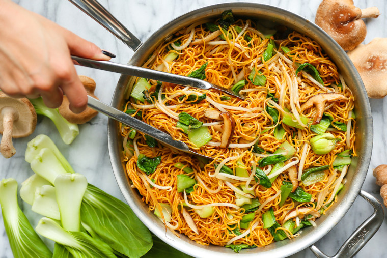 Image: Easy Chicken Chow Mein
