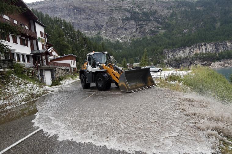 Hailstorm blasts Tour de France course, forces rare stage stoppage