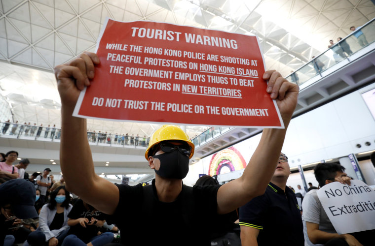 Image: Protest Hong Kong airport