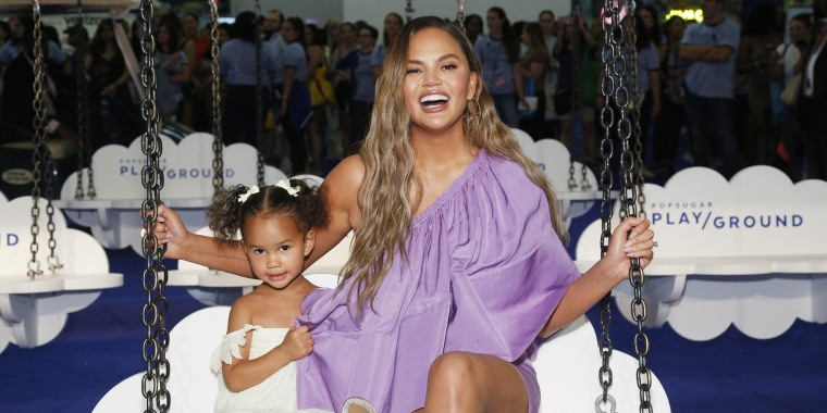Chrissy Teigen shares throwback with '80s hair — and looks just like her daughter!