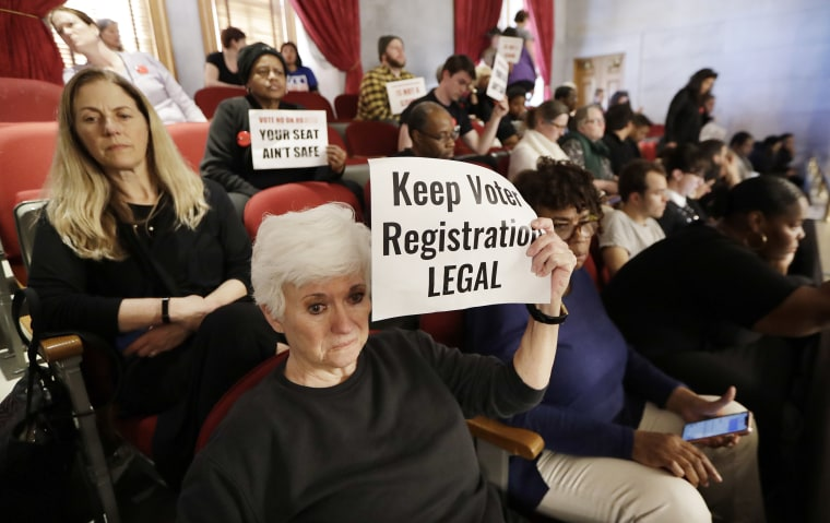 Judge blasts Tennessee voter registration law, warns it could create 'chilling effect'