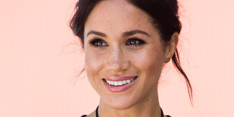 Meghan Markle launching capsule clothing collection